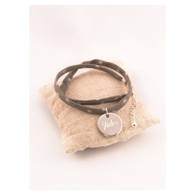 075c9feeb9cd6 Bracelet Tissu Etoiles Medaille Argent Ronde Gravée. Loading zoom